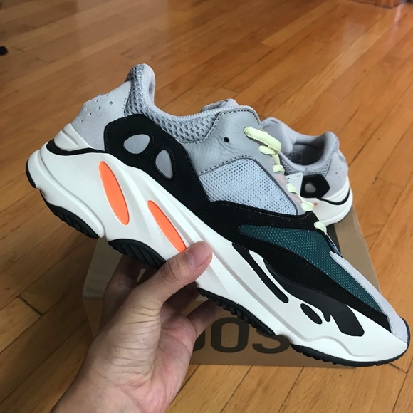 e5ce89451bc1c Adidas Yeezy Boost Wave runner 700 size 9